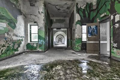Labyrinth School 3