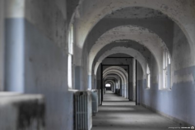 Labyrinth School 13
